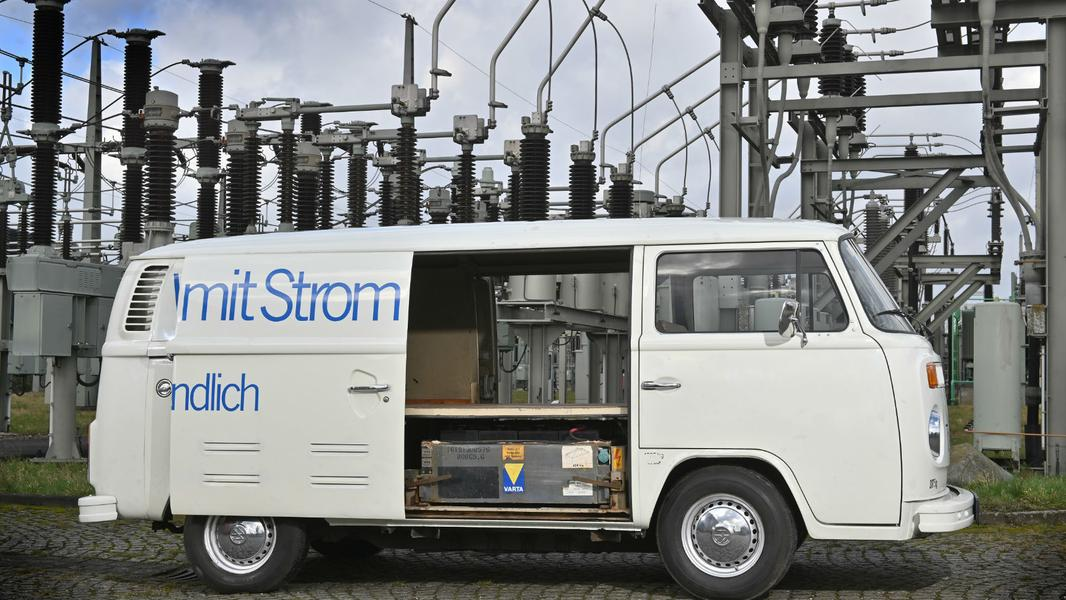 Volkswagen вспомнил 48-летнего «дедушку» электро-минивэна 2