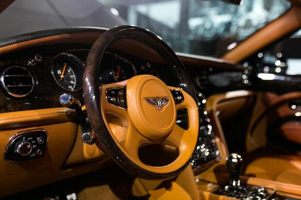 Мегакрутой и очень редкий Bentley прописался в Украине 2