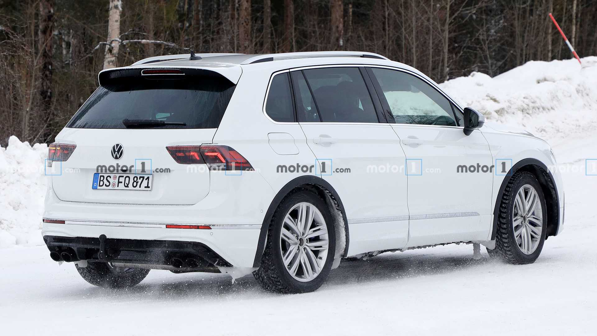 VW Tiguan R вовсю готовится к премьере 1
