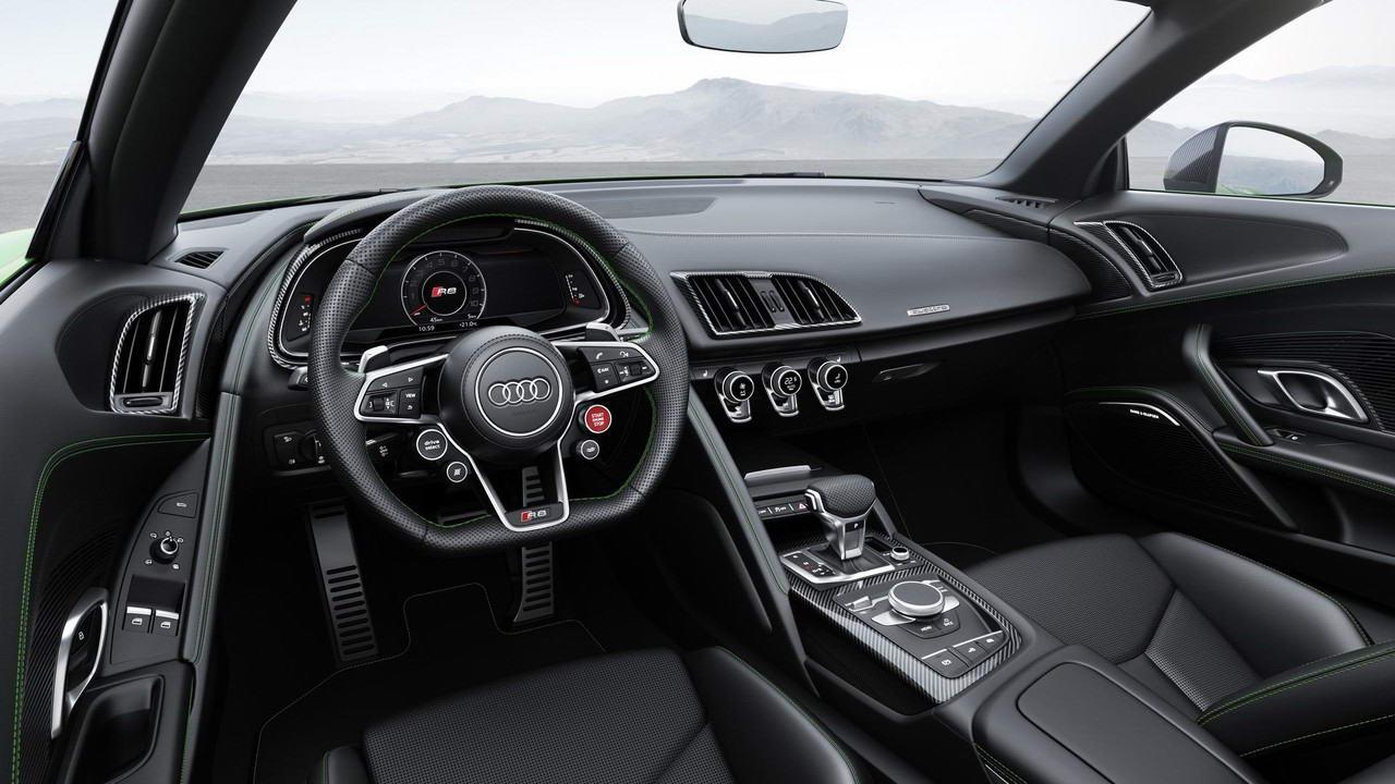 «Спортивная экзотика»: обзор Audi R8 Spyder V10 2