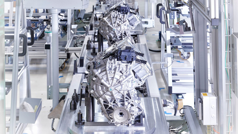 Audi приостанавливает производство e-tron 1