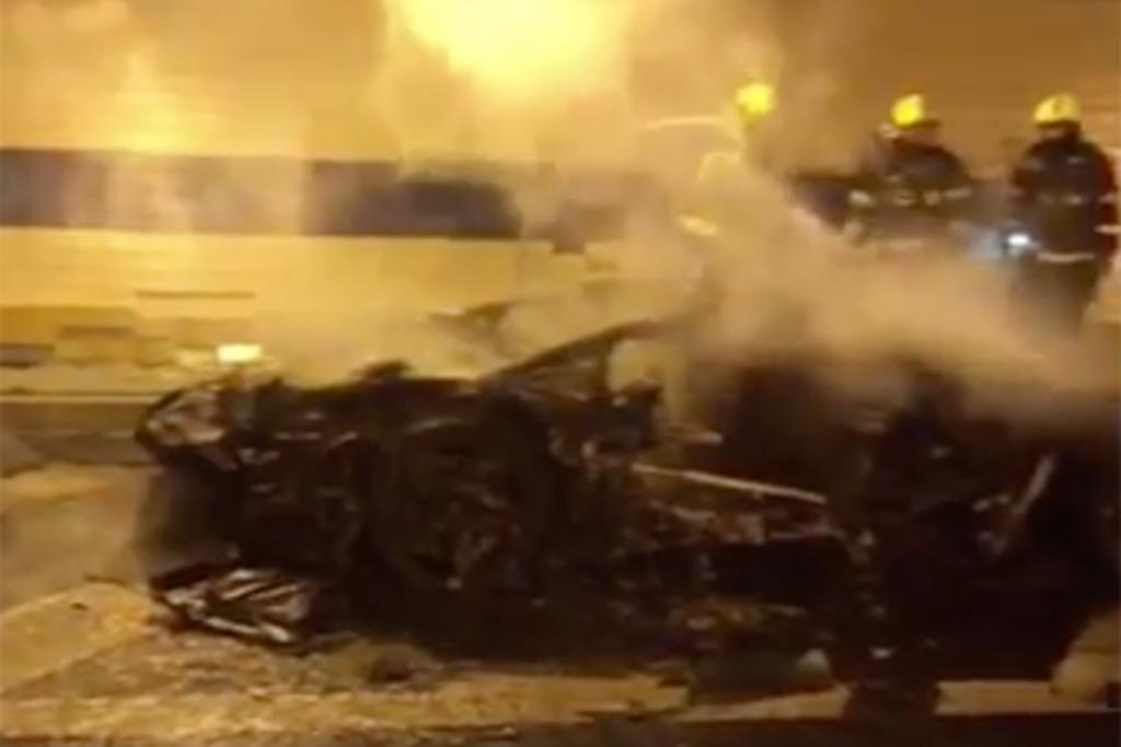 Свадебная Lamborghini превратилась в груду пепла после ДТП 1