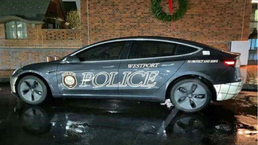 Неожиданный способ использования Tesla нашли полицейские в США 1