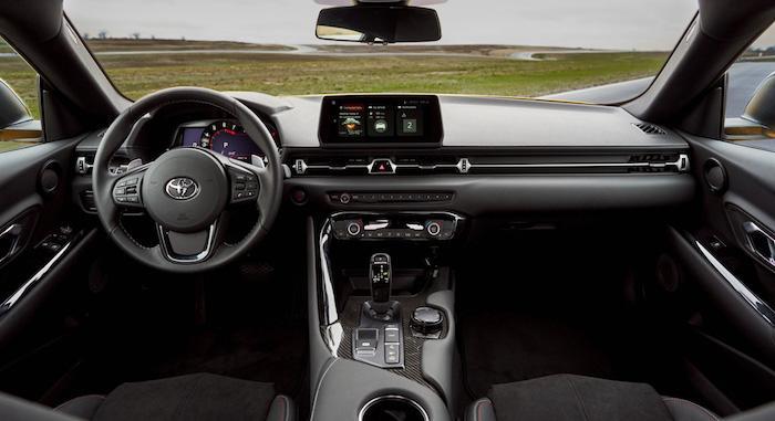 Toyota обновила возрожденный спорткар Supra 1