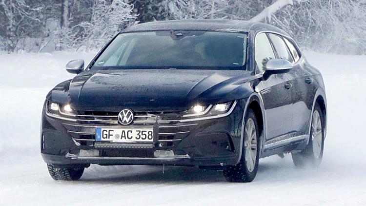 Volkswagen тестирует новый универсал 1