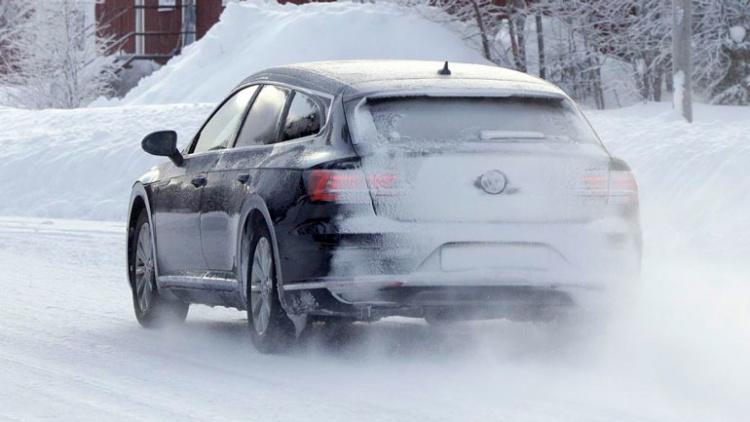 Volkswagen тестирует новый универсал 2