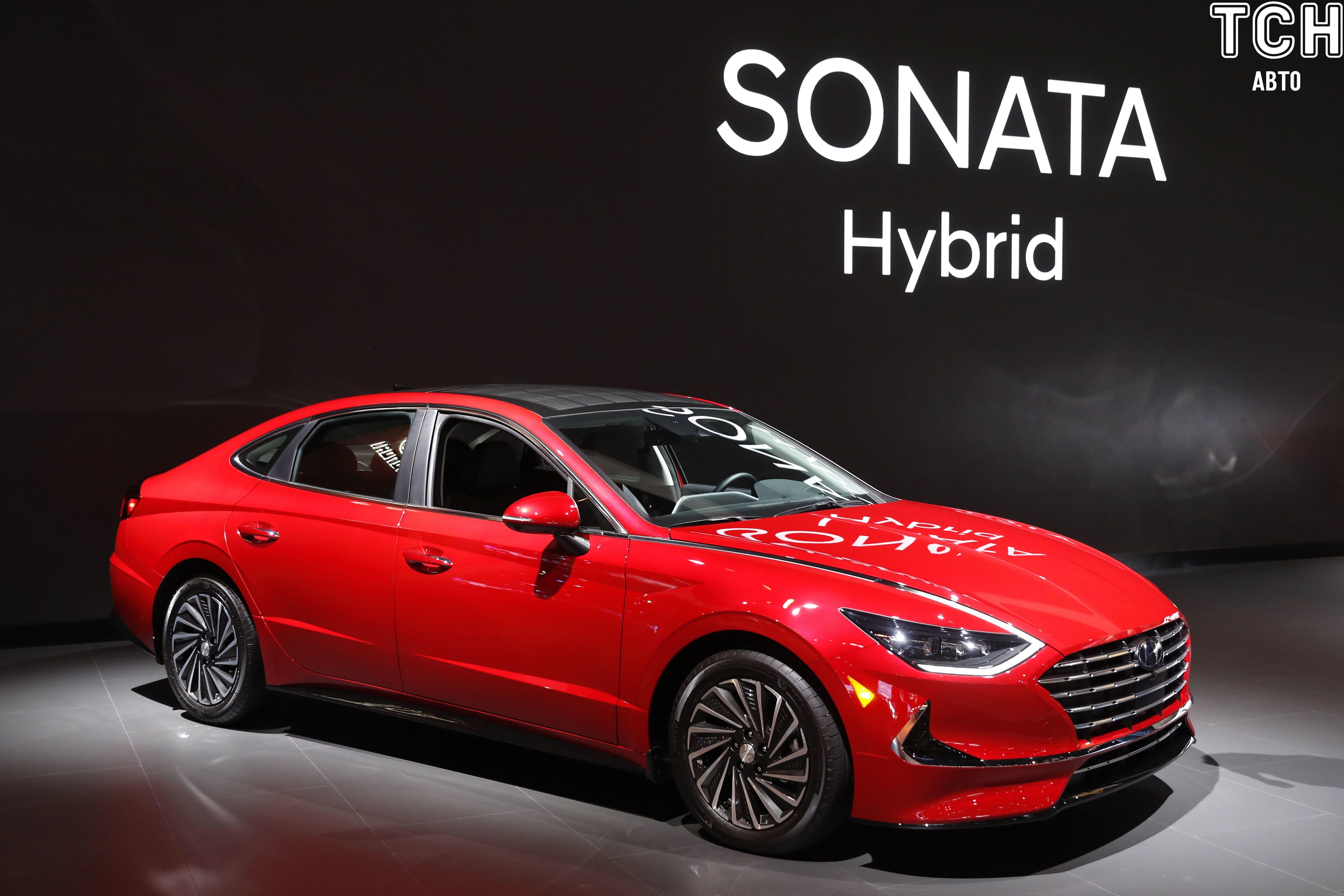 Hyundai презентовал Sonata на солнечных аккумуляторах 1