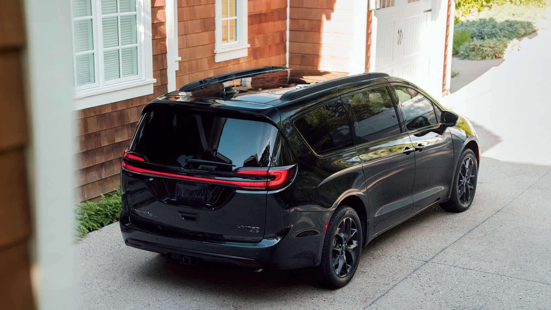 Минивэн Chrysler Pacifica получил полный привод 2