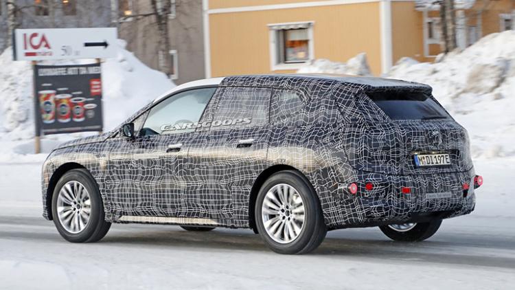Новый BMW iX5 проходит зимние испытания 2