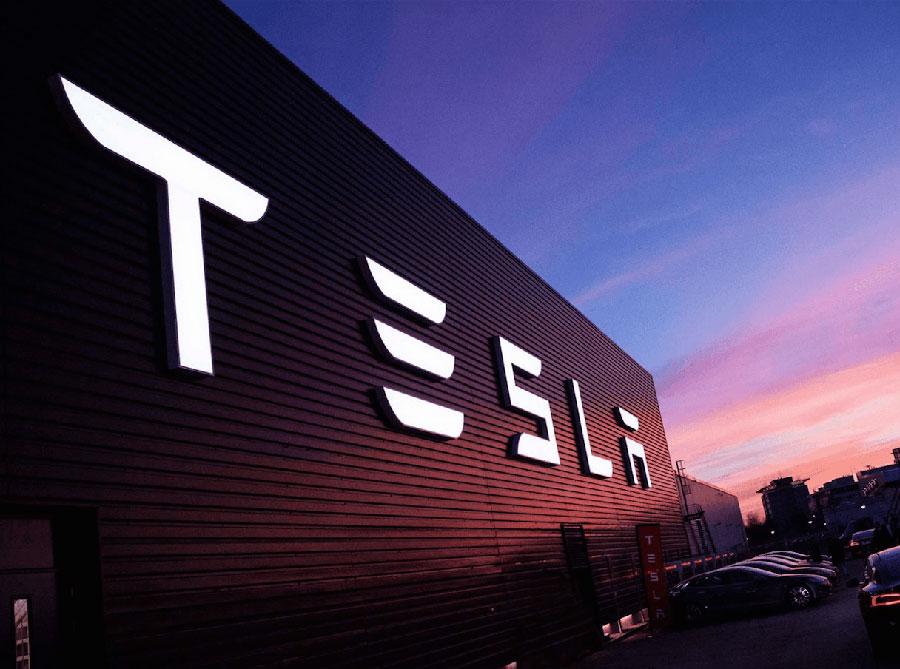 Акции компании Tesla вновь взлетели до небес 1