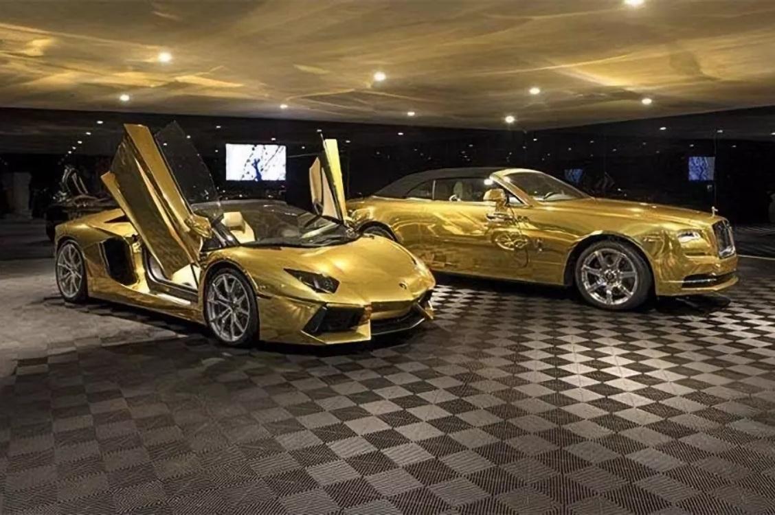 Особняк с коллекцией золотых автомобилей продали за 80 миллионов долларов 3