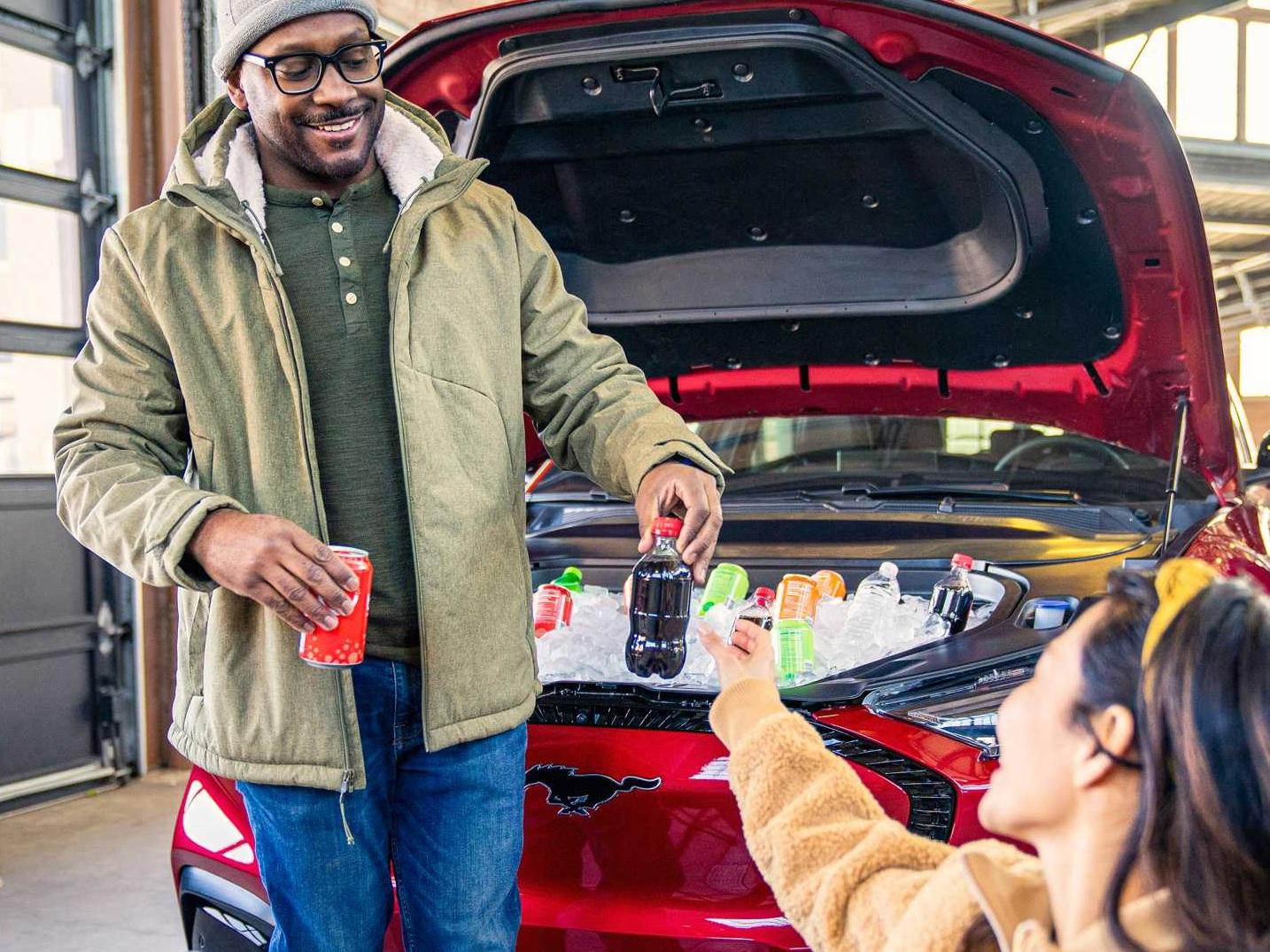 Из нового электрокроссовера Ford сделали холодильник на колесах 1
