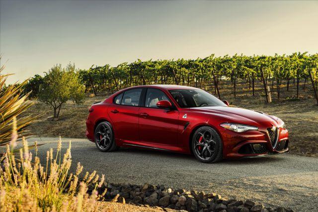 Новая Alfa Romeo Giulia завораживает своим дизайном 1