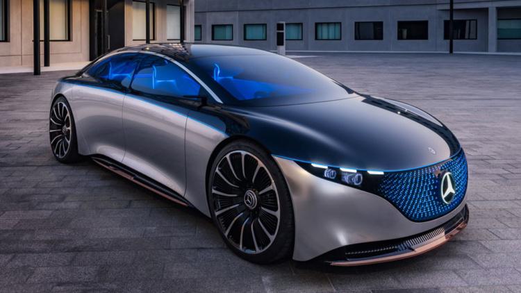 Mercedes презентует три десятка новых моделей 1