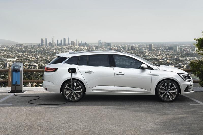 Компания Renault презентовала обновленный Megane 3