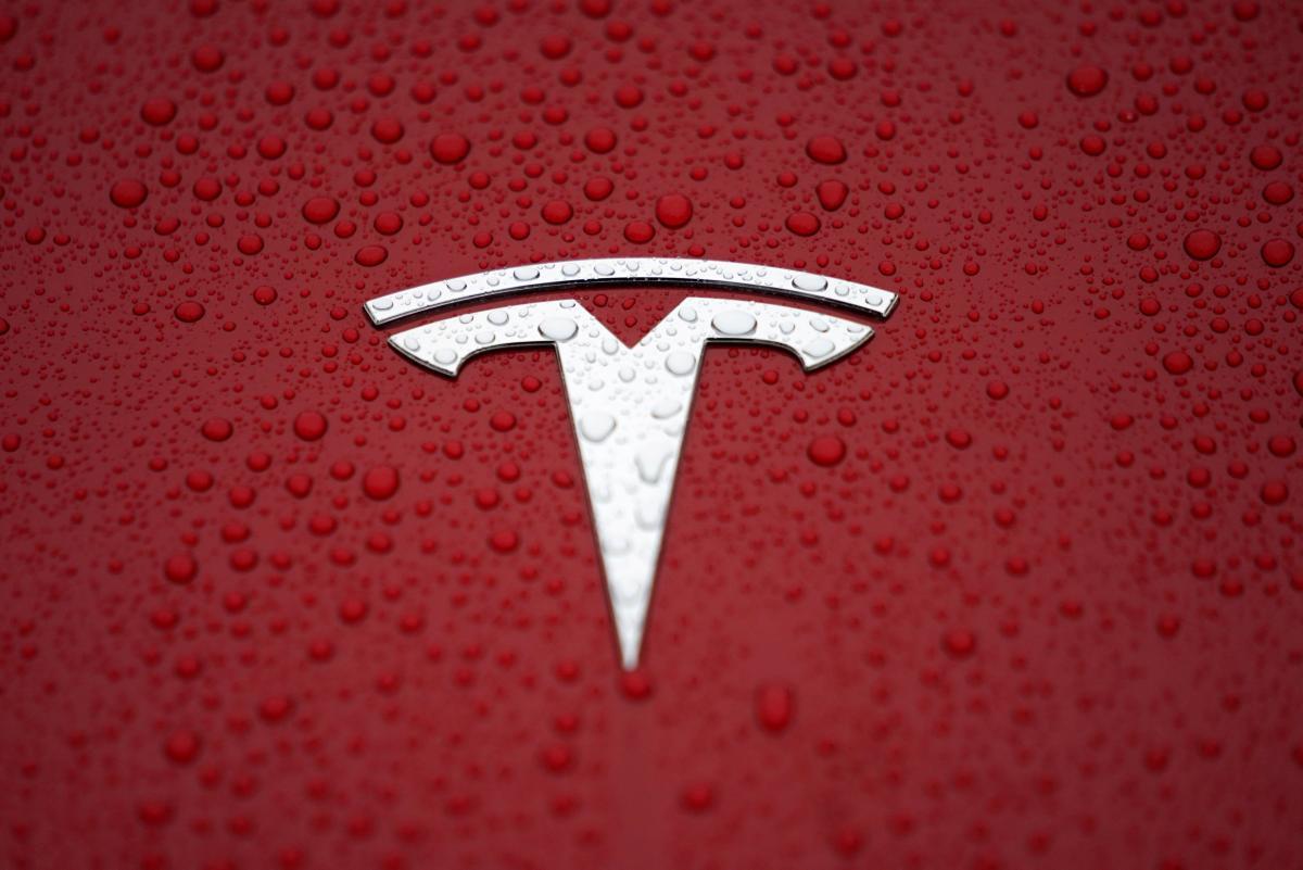 Tesla закроет свой новый завод 1