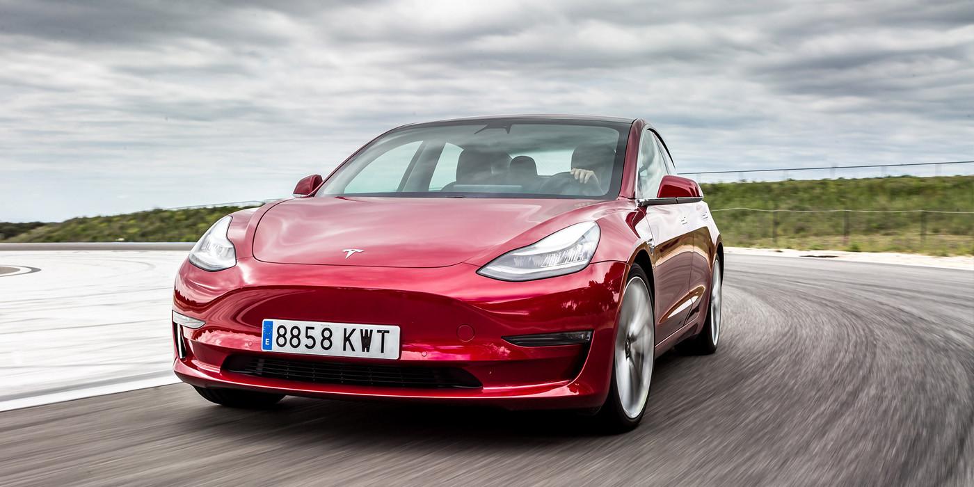 Tesla Model 3 вошел в тройку самых популярных автомобилей в Европе 1