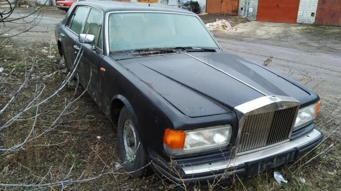 В Украине нашли брошенный Rolls-Royce стоимостью 300 тысяч долларов 1
