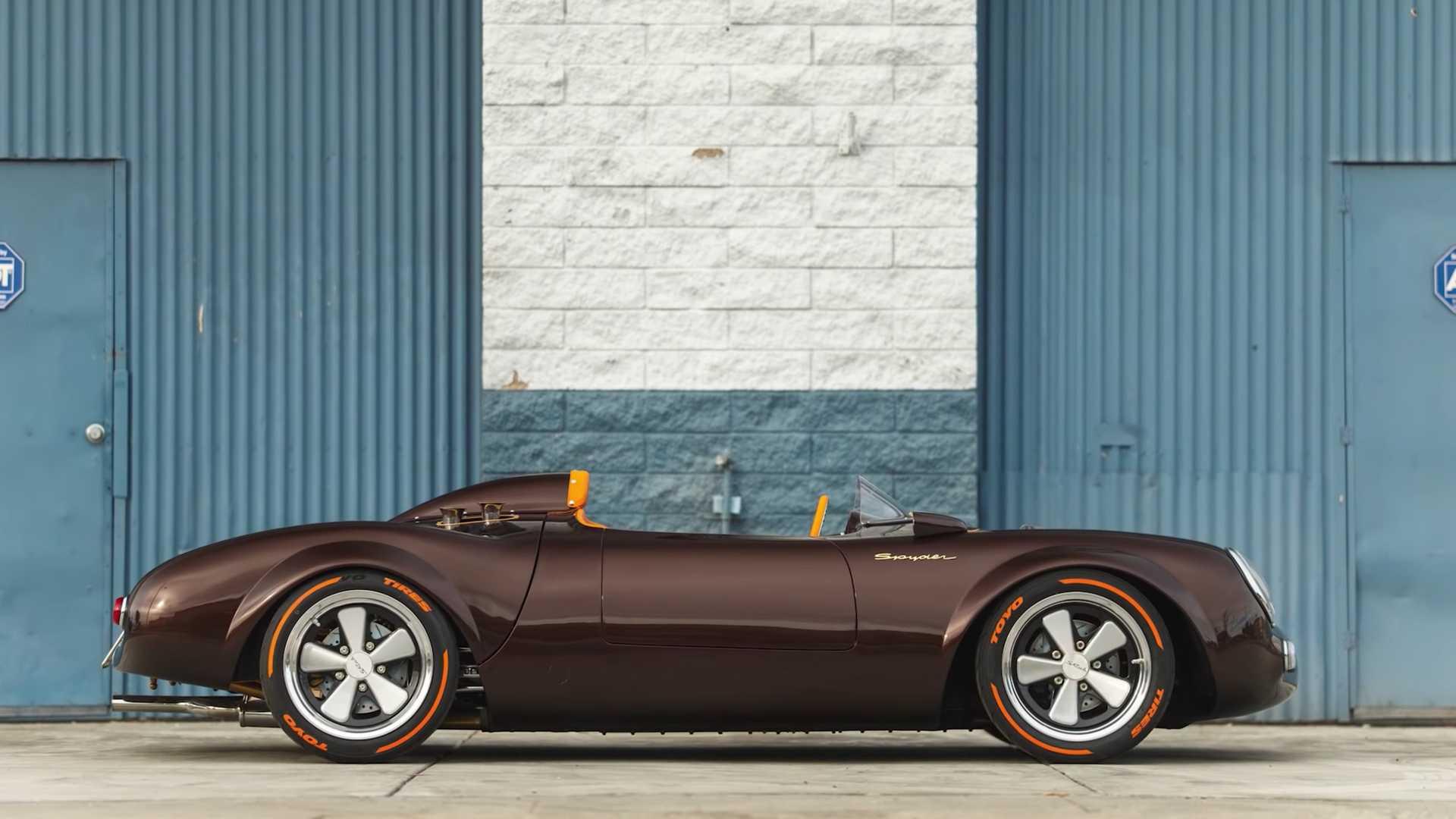 Американцы построили реплику Porsche с единственным креслом по центру 1