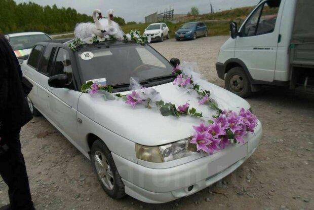На продажу выставили редчайший свадебный лимузин ВАЗ-2110 1