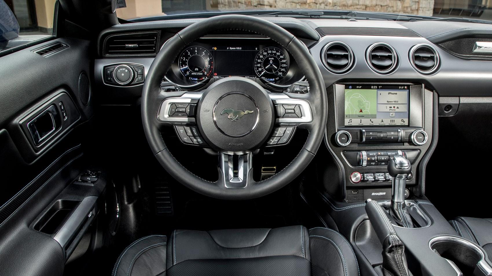 Тест-драйв Ford Mustang 2018 года 3
