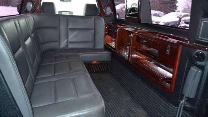 На продажу выставили лимузин Subaru Tribeca 2