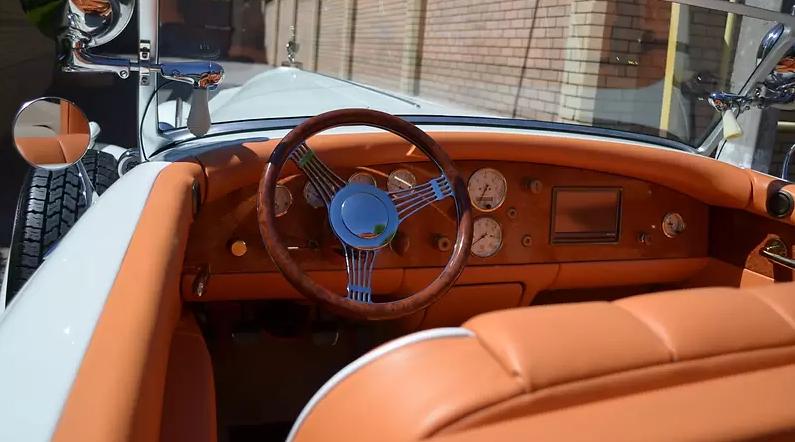 Раритетный 86-летний Packard продают в Украине 3