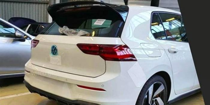 Новый Volkswagen Golf GTI замечен без камуфляжа 1