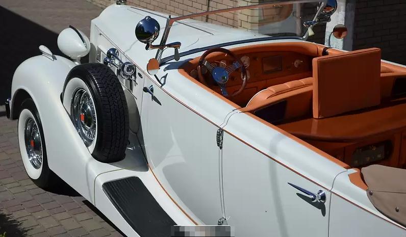 Раритетный 86-летний Packard продают в Украине 2