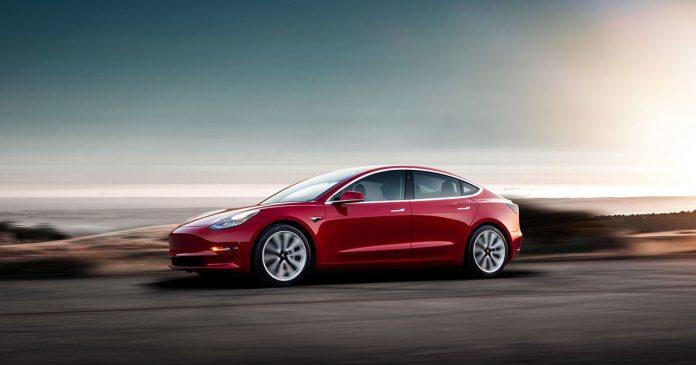 В электромобилях Tesla обнаружился серьезный дефект 1