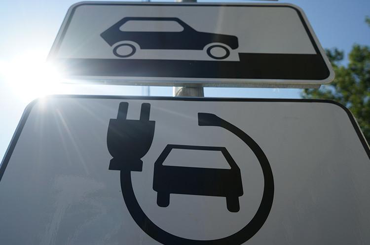 В Украине действуют новые Правила дорожного движения 1