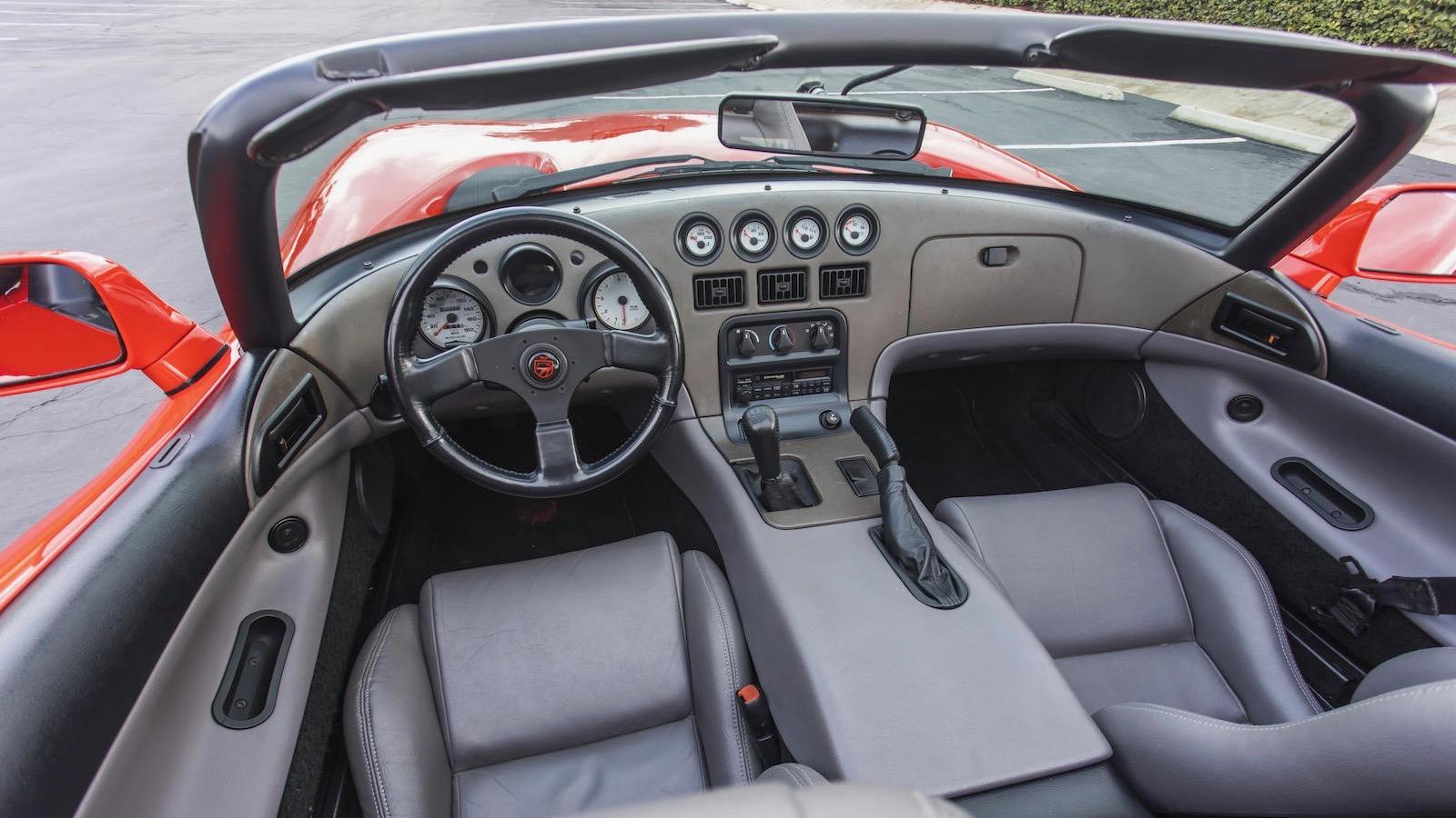 Первый в мире Dodge Viper продали вдвое дороже запланированного 3