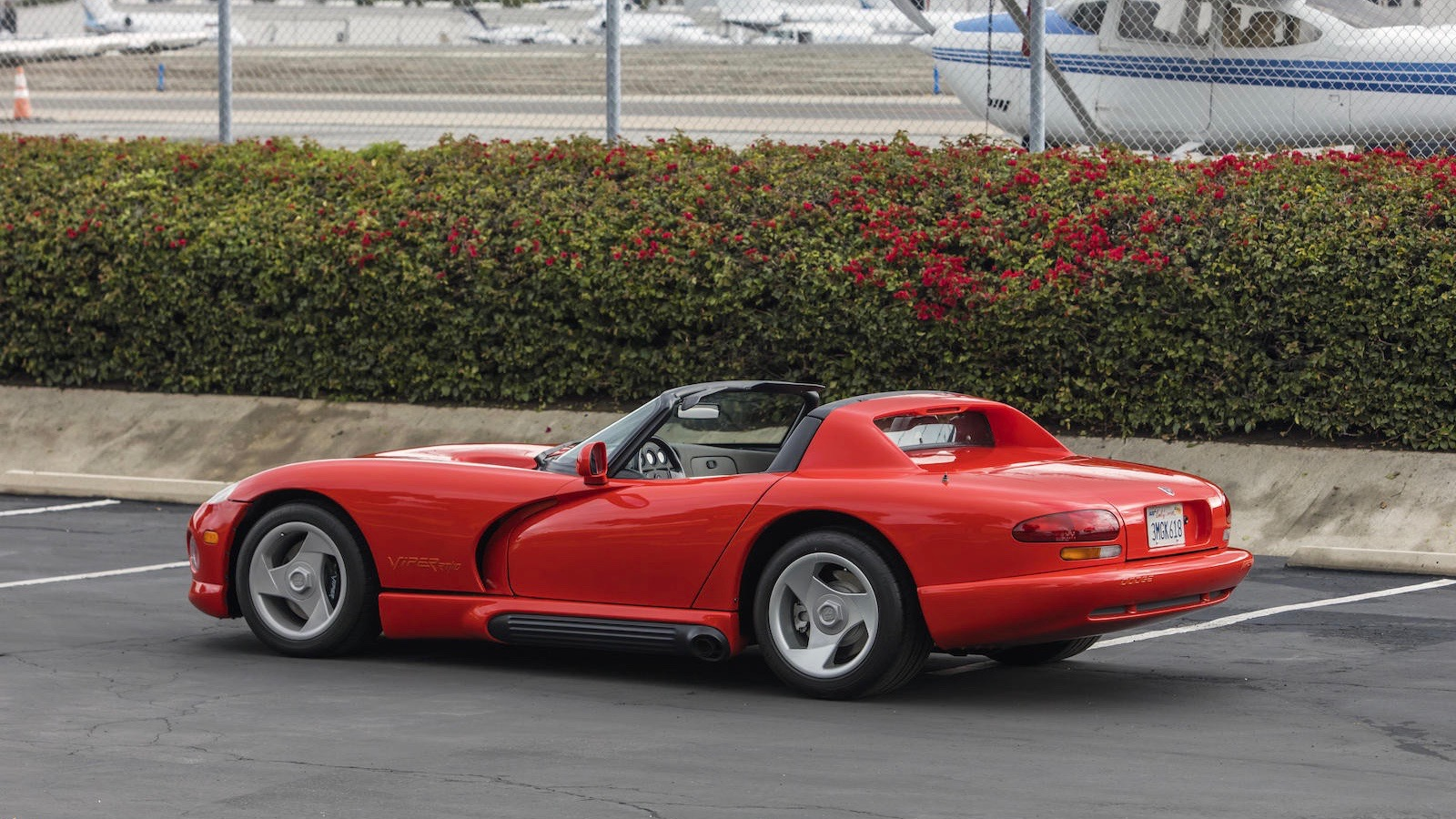 Первый в мире Dodge Viper продали вдвое дороже запланированного 2