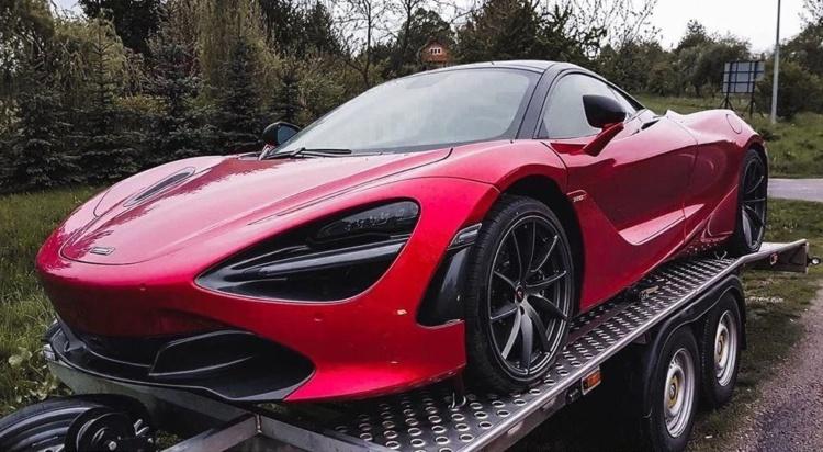 Очень крутой McLaren на украинских номерах замечен в ЕС 1