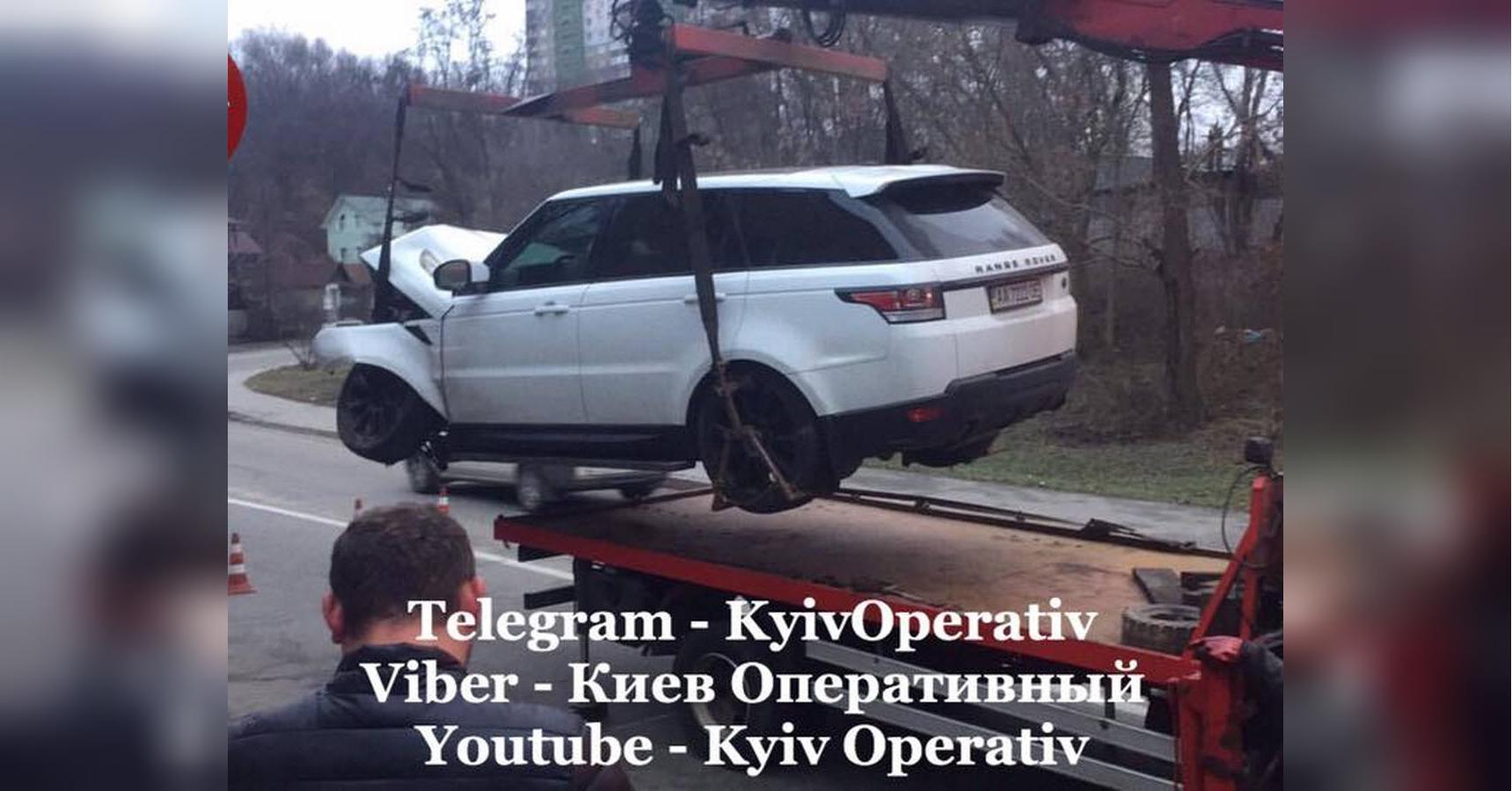 В Киеве сотрудники СТО разбили чужой Range Rover 2