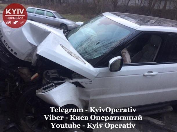 В Киеве сотрудники СТО разбили чужой Range Rover 1