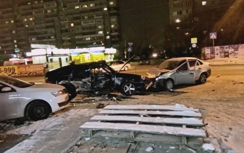 Женщина выжила в аварии, но через несколько минут погибла в ДТП со скорой 1