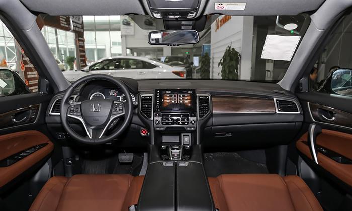 Honda официально представила обновленный купеобразный кроссовер UR-V 2