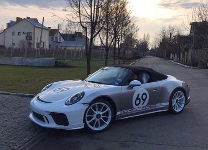 В Украине засветился крутой Porsche за 300 тысяч евро 1