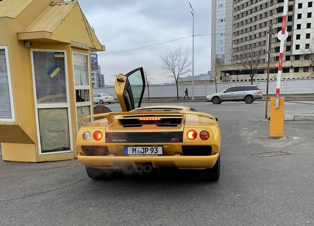 В Киеве засветился очень крутой Lamborghini 1