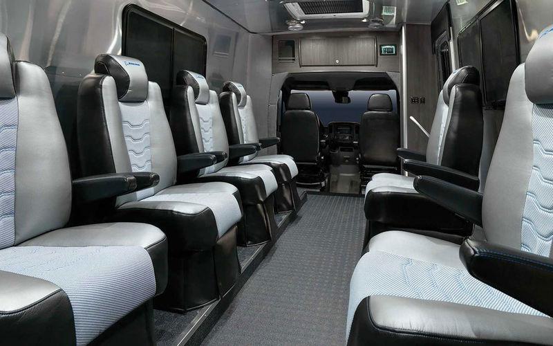 Представлен специальный автобус для космонавтов 2