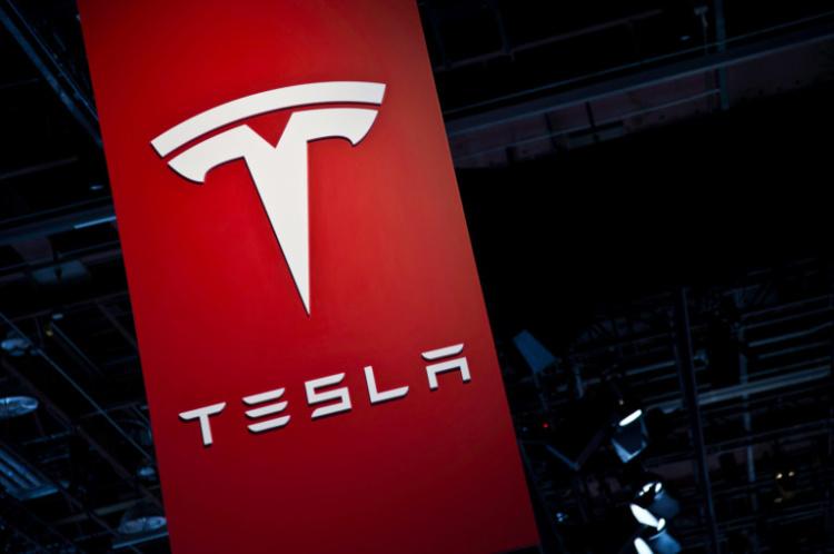 Компания Tesla осуществила рекордные поставки электромобилей 1