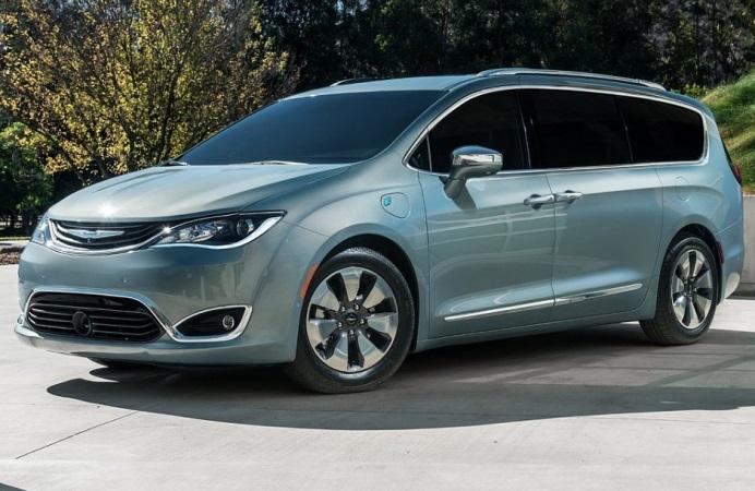 Дизайн нового минивэна Chrysler Pacifica рассекречен 1