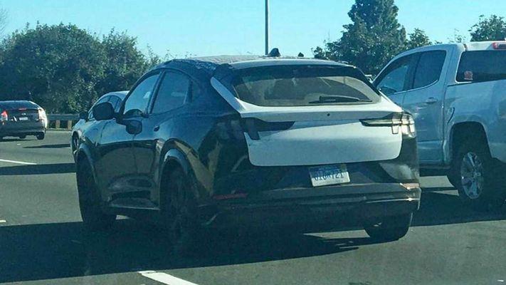 Новейший электрокросс Ford впервые показался на дорогах 1