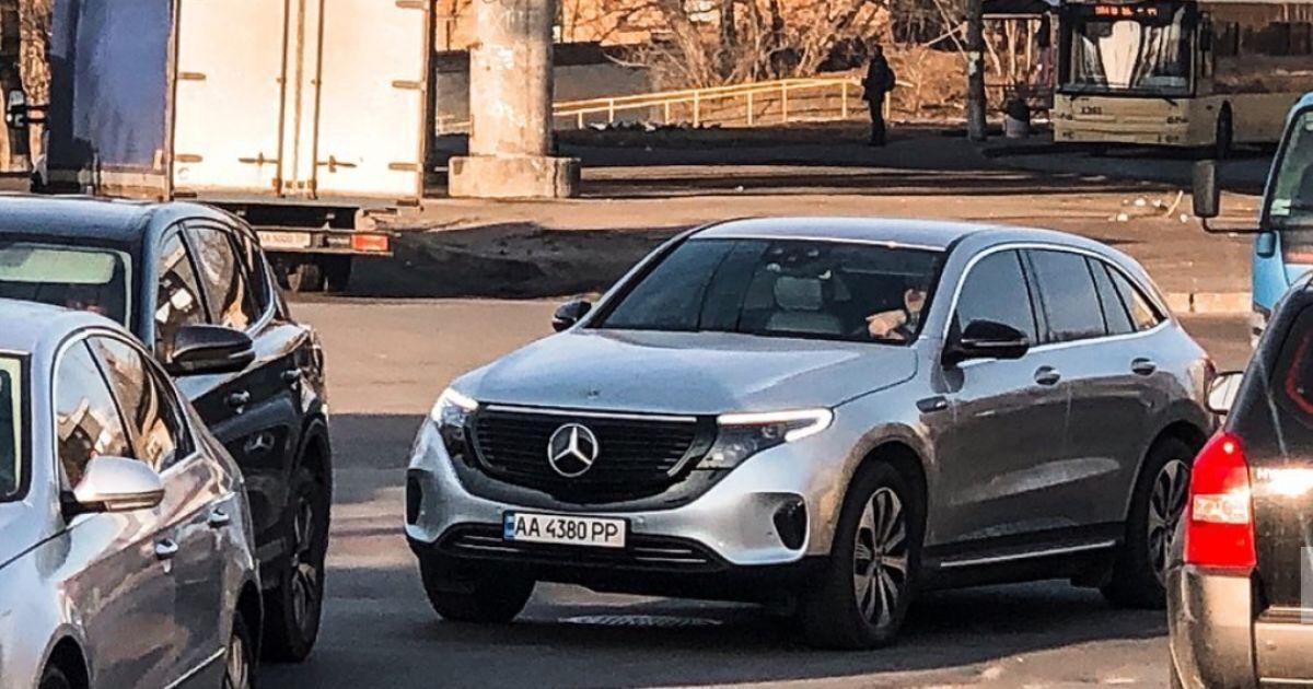 В Украине появился первый электромобиль Mercedes 1