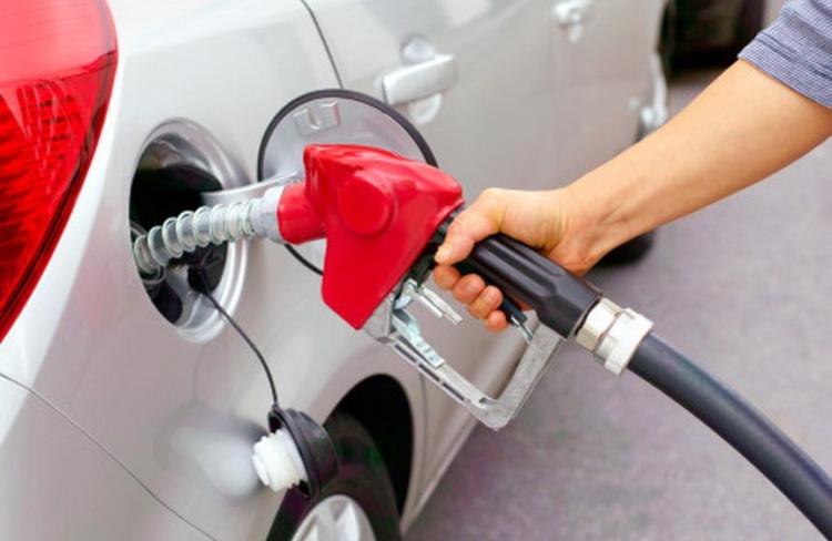 В Украине стремительно дешевеют бензин и дизтопливо 1