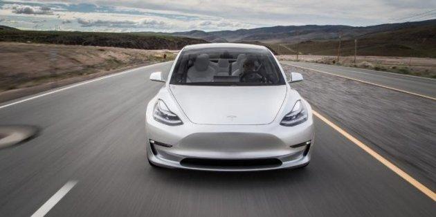 Седан Tesla Model 3 станет быстрее 1