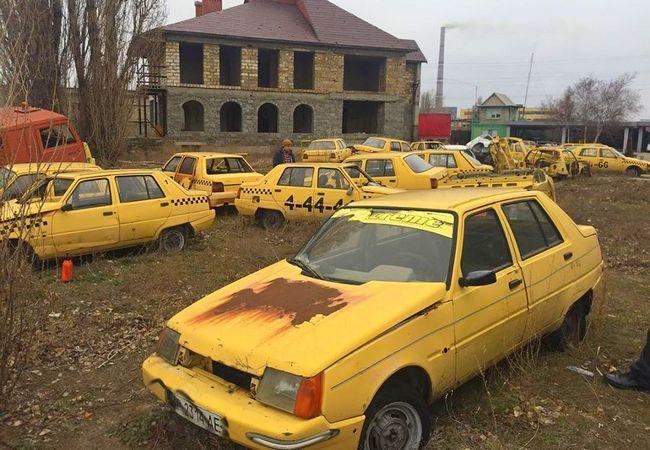 В Украине найден таксопарк с десятками брошенных «Славут» 1