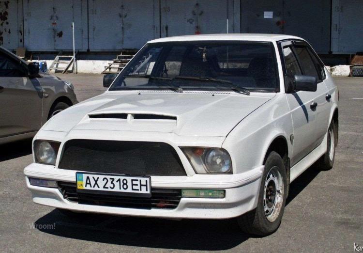 Самая странная реплика Ford Mustang на украинских дорогах 1