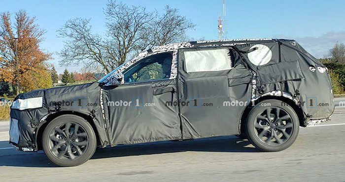 Acura вывела новый кроссовер MDX на тесты 1